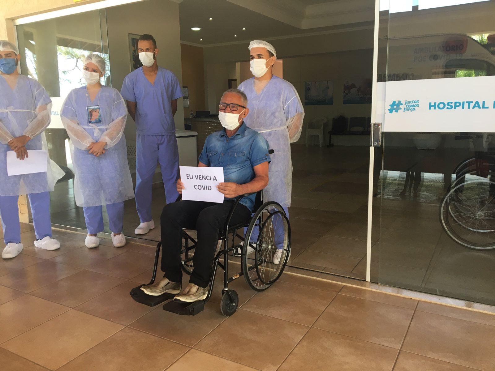 Vencendo a COVID-19: paciente do Hospital de Campanha recebe alta em Petrolina